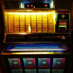 @noodle_cat's jukebox.