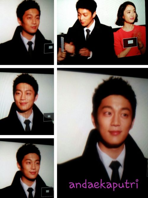 My first 무대인사 (greetings show) in here with Yoon doojoon.. My abang dujun is currently promoting his first movie Marrying d mafia 5..tonite,celebrating d last day of my 2nd semester, I went to Megabox dongdaemun to meet him,the movie director n Kim Minjung ^^  I thought that it would be the same with movie screening like the one that I attended couple months ago which also involved some discussions time with director n actors..turned out that 무대인사 is just the artists n directors greetings us in d beginning of film around 5-10mins..ㅋㅋㅋ  The hardcore fans of yoondoojoon just left the theatre right after doojoon went out rather than continue watch movie..  Several tips~ keep update from fancafe so u can know when n where they will have 무대인사,bring ur camera n tripod if u have,try ur best to get the centre seat n front row..I was seating in the third row n center today, I could see him perfectly ^^  The movie itself fas funny even in lots part they use lots of satoori - but thats fine so i can learn some new vocabs kkkk..also dujun looked so tired with his red eyes, oh u really need proper sleep,bang!  Anyway,the details about this kind of event will be included as well in my second book..kkkk..많이 기대해 주세용~~~