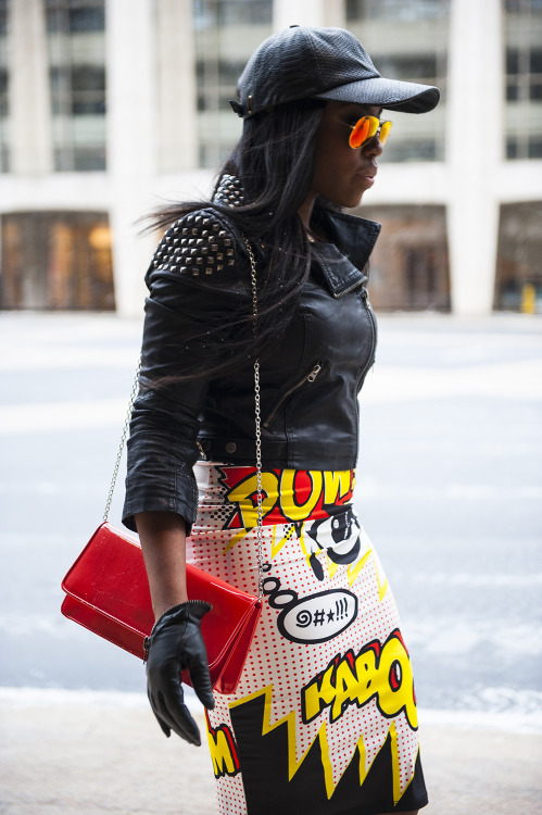 topshop:  Style kaboom! This is what happens when a comic-inspired tube skirt partners up with some sleek leather goods.