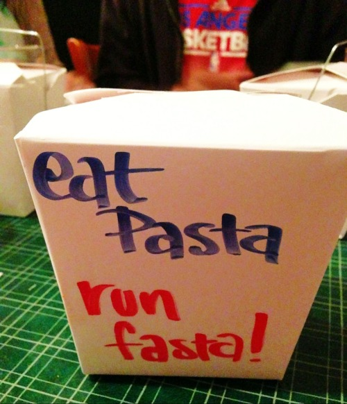 Nothing more motivational than pasta takeout boxes from Mama D's hehe this makes me happy   filed under: #lastnightweatetwodinners #needtostartrunning #gooooclippers