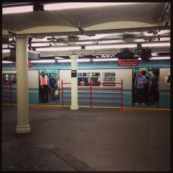 Old fashioned #train cars running on the 7 line last Sunday. #nyc #subway