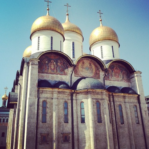 One of the beautiful Kremlin churches #kremlin #moscow #fromrussiawithlove / on Instagram http://bit.ly/YODZ9K