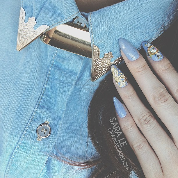 mynailsaredope:  Inspiration. Gold collar denim shirt to match the nails. 👌 #nailart #nailporn #nails #love #dope #fashion #gold #mynailsaredope