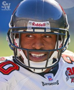 sportingnewsarchive:  Buccaneers' Ronde Barber retiring after 16 seasons  Tampa Bay Buccaneers Ronde Barber against Carolina Panthers at Bank of America Stadium, on Dec. 11, 2005 in Charlotte, NC.  The Buccaneers won 20-10. (Bob Leverone/Sporting News)  GALLERY: Ronde Barber career in photos   So sad to see him retire because I loved to watch him play. He was such a great player. Ronde Barber is a class act!