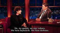 porphyriasuicide:  incasabil:  Neil Gaiman interview by Craig Ferguson.  True that.