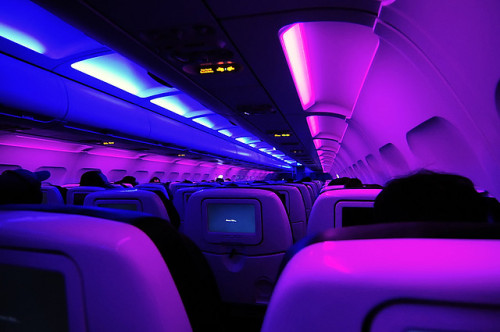 fuckyeahairplaness:  virgin america (by Joits)