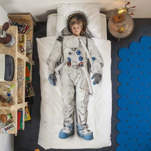 To the child in this picture (and any other children who have this bedspread and pillow case): I hate you. I hate you so much. I hate that you have this and that I, at your age, did not. I hate that your generation can reasonably expect to participate in the resumption of manned space travel while mine will have to be satisfied with the vicarious experiences afforded by robotic probes and telescopic imagery. I hate you. So much. Sincerely, An eternally-frustrated would-be Astronaut