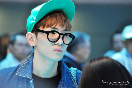 forevershiningshinee:  Angelic Key departure @ Taiwan Taoyuan airport 120917 #4 - Credit: Every minute  Angelic Key departure @ Taiwan Taoyuan airport 120917 #3 - http://tmblr.co/ZGt9AyTdEF50
