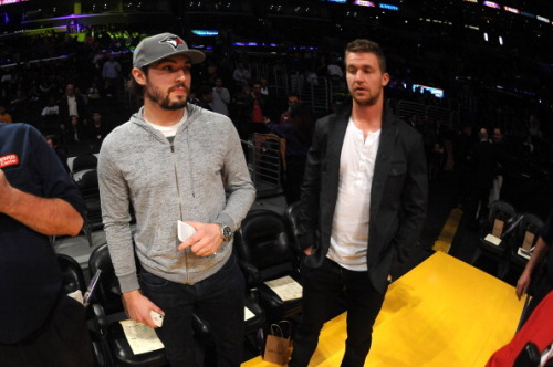 Drew Doughty in a Blue Jays Hat at the Lakers game!