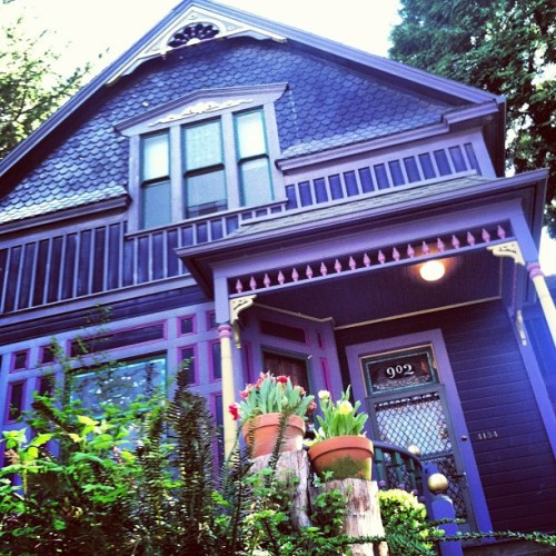 nightblindness:  Nopo can be so #beautiful #architecture #portland #spring #victorian (at Lovely's Fifty Fifty)  I would like this sooo much better if it wasn't a damned Instagram, though. I'm really sick of seeing that filter used everywhere!