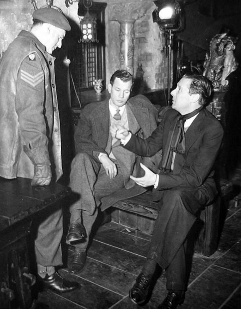 Trevor Howard, Joseph Cotten and director Carol Reed between scenes of The Third Man