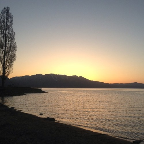 Home. #nofilter #laketahoe #southlaketahoe #california #sunset #natureisbeauty #getoutside #nature #lake #mountains #landscape #home
