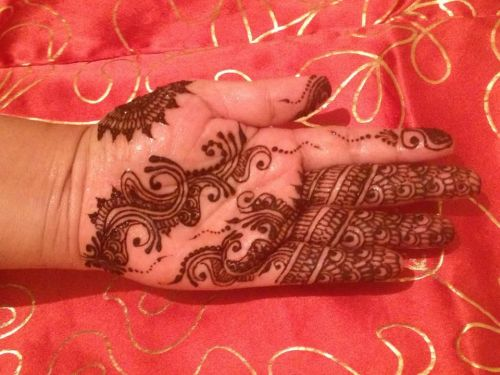 Fahmida's Henna Facebook Page - when you get a free moment please do view, share and like :)
