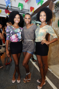 blackandkillingit:   divalocity:  Triple The Beauty: Suzane, Suellen & Suzana Massena
