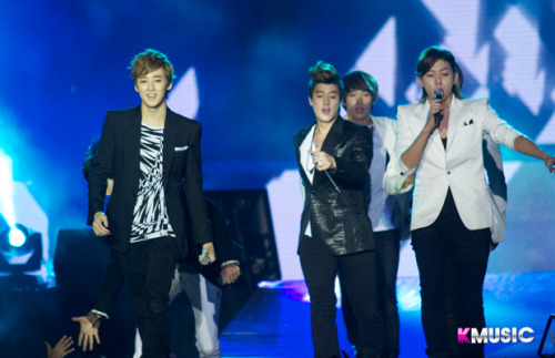 u-kissheart:  U-KISS@ DKFC -130119 CR:officiallykmusic.com