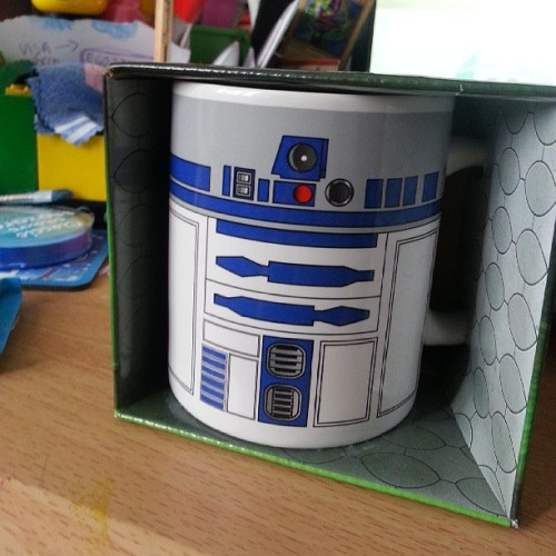 Drinking tea in style #starwars #r2d2