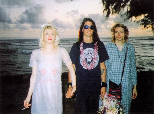 now-im-bored-and-old:  Kurt Cobain, Courtney Love, and Dave Grohl Waikiki, HI 1992