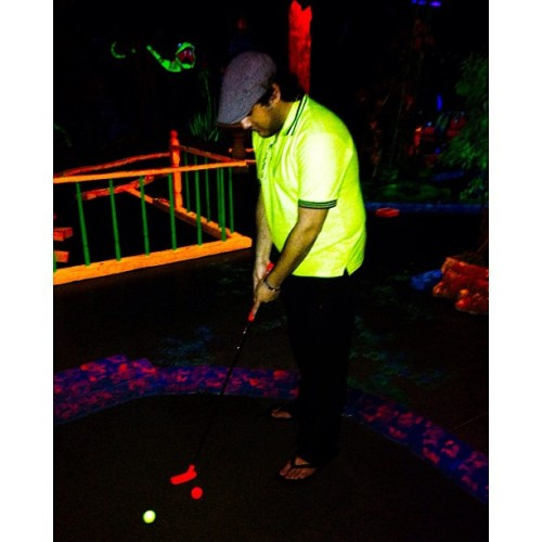 #glow #mini #glowinggolf #golf #minigolf #glowing #glowinggreensminigolf #pdx #portland #entertainment #enjoyable #oregon #usa #portlanddowntown #Alsaygh_qtr #playing #playinggolf (at Glowing Greens Mini Golf)
