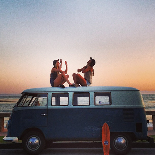 g-narl-y:  FOLLOW THIS AMAZING SURF BLOG! SHE FOLLOWS BACKK!!!!!