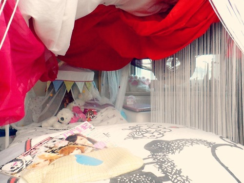 I finished my blanket fort bed! ♥