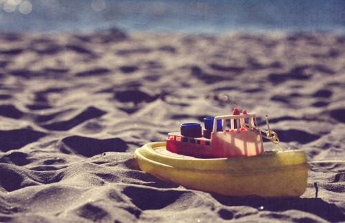 Toy Ship by Peter Bros Nissen on Flickr.