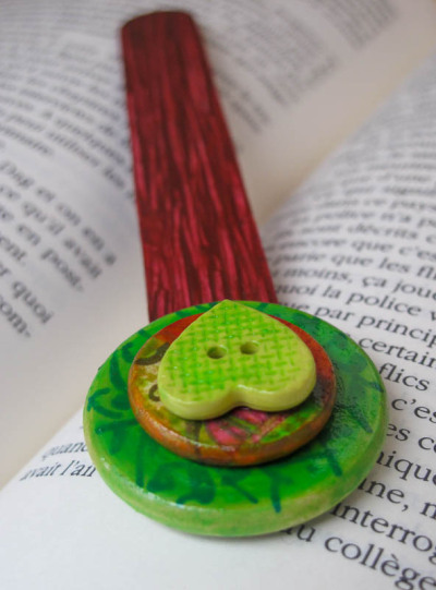 Unusual handcrafted gifts, unique bookmark, green, red, paper collage, bookmarks for books - Mixed media by Lespetitsbuttons on Etsy My Facebook / My Etsy Shop