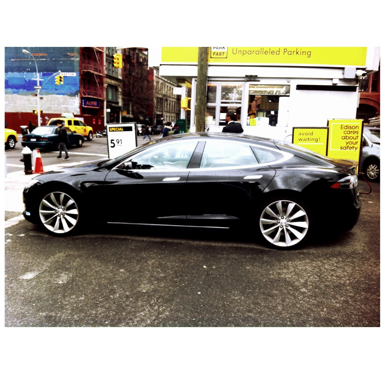 ||  Tesla - S • In the wild  ||