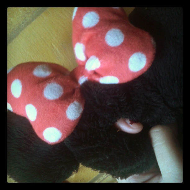 always wearing this minnie mouse pony tail from disney :))) #instagallery #minnemouse #fromdisney #instacute