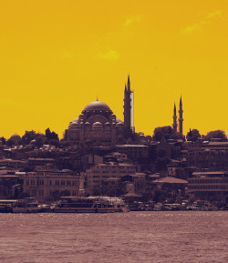 lespritmodestee:  YeLlOw IsTaNbUl by Matteucci Laura on Flickr.