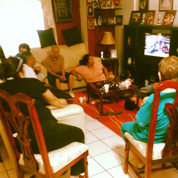 #family #sunday #grandparents #reunion #easter #tripvideos #tv #trip (at Grandma's)