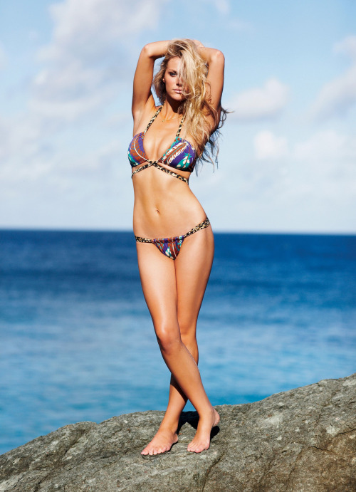 brooklyn-decker-is:  dollish