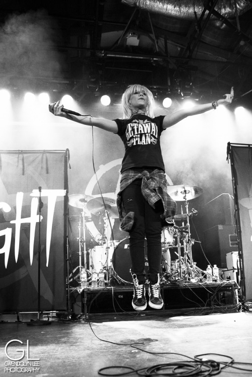 fuuuckyeahtonightalive:  Tonight Alive (by Gwendolyn Lee)