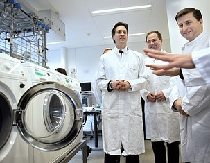 Ed takes a crash course in 'how the plebs use machines instead of staff to clean their clothes', was was amazed and shocked