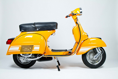 scooterculture:  trevskimod:  I am partial to a Vespa Rallye Electronique 200~ baby's got booty~  I have decided I want a Rally