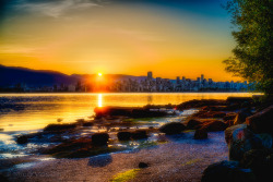 Sunrise from Jericho Beach (by Milo Vosch)
