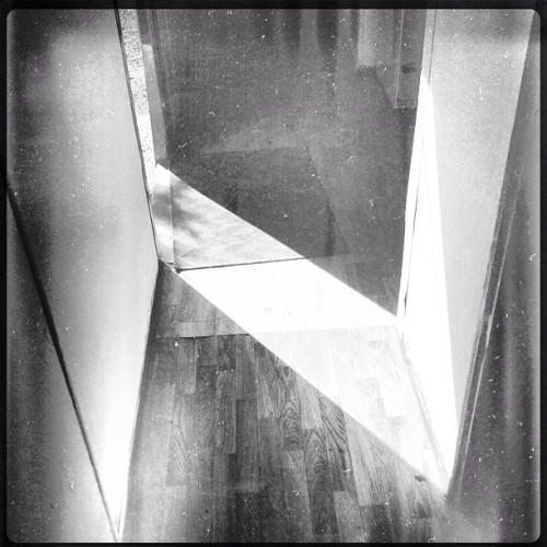 Path of light #black #white #light #geometric #line #path #architecture  (at מעונות מרכז אקדמי אריאל)