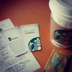 carte #starbucks , they now come with carte fidélité. Free #coffee after 10 stamps. Dunno if outside France they do the fidelity car also.