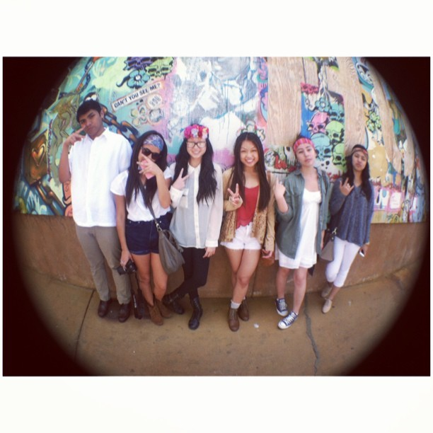 yearbook photo shoot ✌ @gutzby @lianadinh @anitaaaac @mocasteneda @alexdcabraham