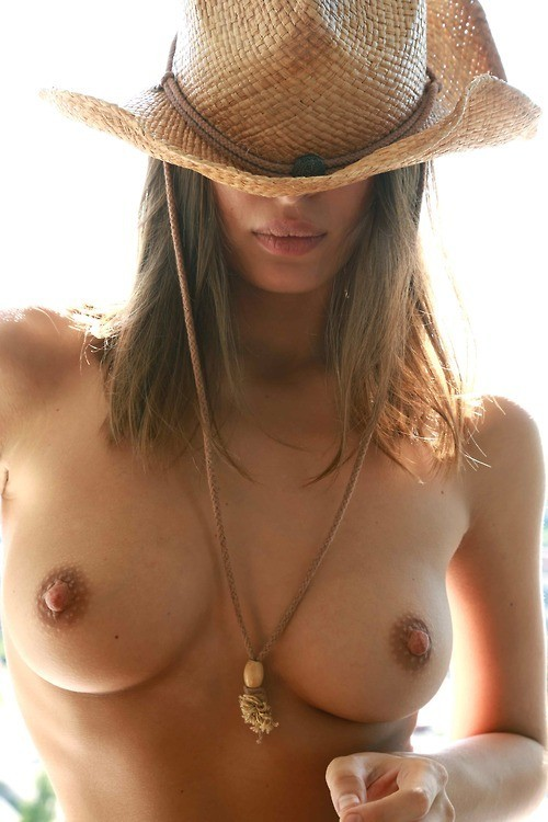 perfect-curves:  Hiding under her hat.