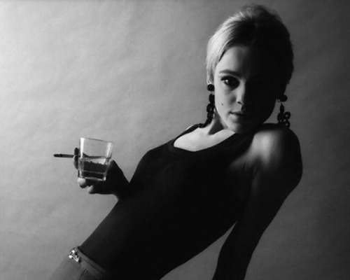 Edie Sedgwick —-> the embodiment of disenchanted romantics