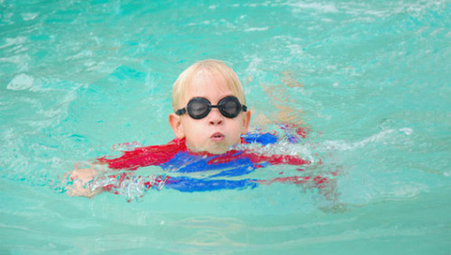 Poop prevalent in public swimming pools The CDC recommends that all swimmers shower well before taking a dip in a swimming pool (and maybe after as well.