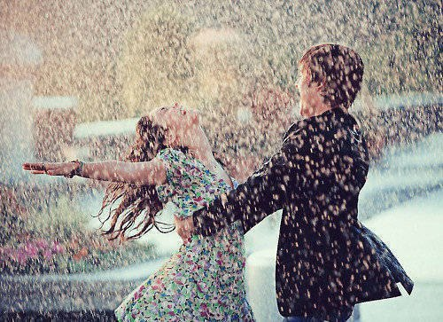Couple under the rain på @weheartit.com - http://whrt.it/11x5829