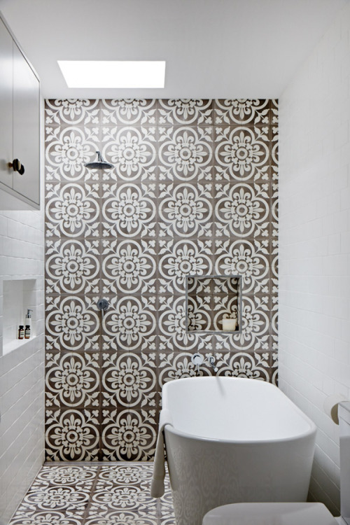 sydney home | bath ~ jodi and bredan york | tile - jatana interiors