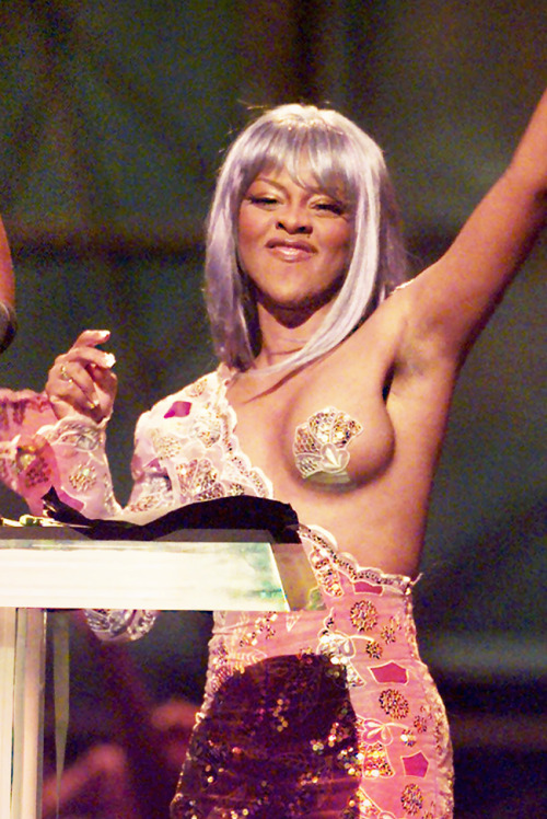 fuckyeslilkim:  Never Forget. Queen Of Rap At The 1999 VMA'S.  Or the Diana Ross boob jiggle.