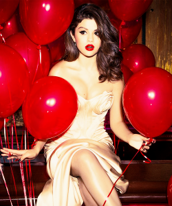princess-emmyy:  paaradiiseee:  Selena gomez | via Tumblr na We Heart It http://weheartit.com/entry/61156007  (via TumbleOn)