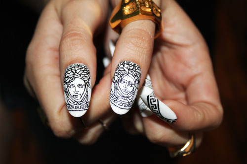 boomnails:  Versace Boom Nails