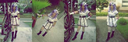 KFine. Do I really look that STUPiD? Ow, Common. Sayang ang costume noh! Kaya i-todo na ang pag pose. HAHAHA!
