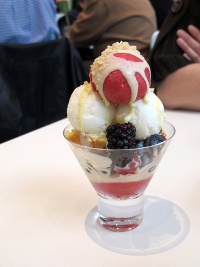 MoMa Sundae by wEnDaLicious on Flickr.