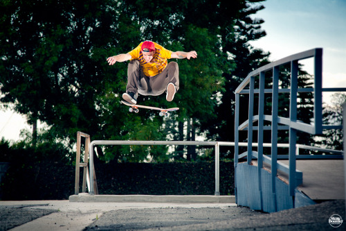 JOHNNY LAYTON FRONTSIDE SHIFTY FLIP BUMP OVER BAR