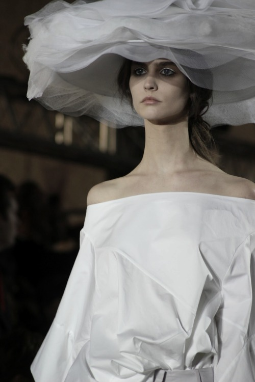 ampersand-et:  manon leloup at john galliano ss13.